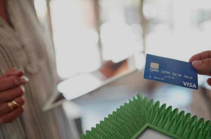 Kredi Kartının Asgarisini Ödemek Kredi Notunu Etkiler Mi?